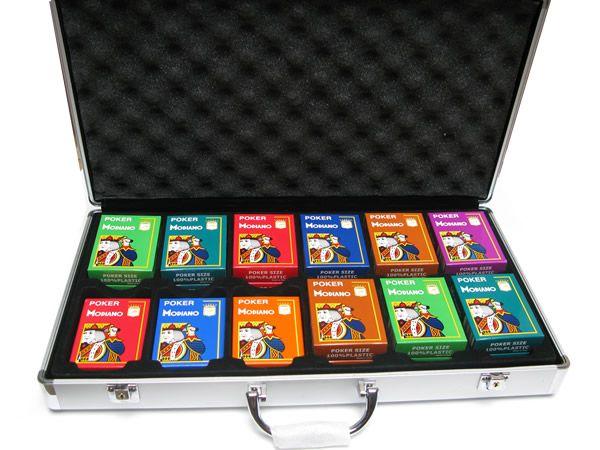 mallettes vide de poker pour jetons mallette aluminium 24 jeux de cartes. Black Bedroom Furniture Sets. Home Design Ideas
